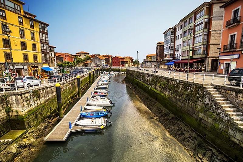 pueblo de llanes en asturias