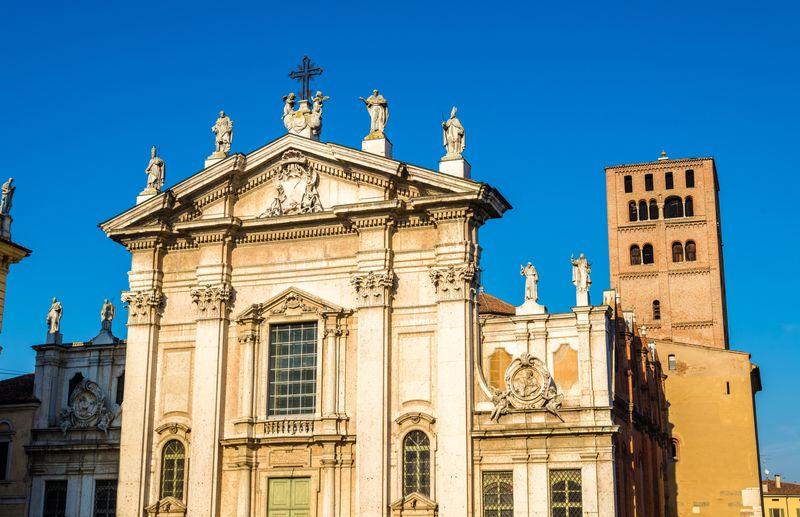 Facciata Duomo di Mantova