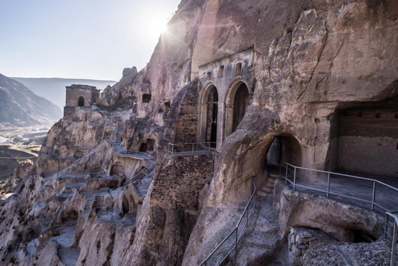 Пещерный монастырский комплекс Вардзиа в Грузии