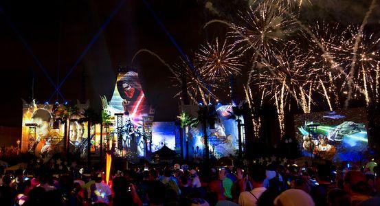 espectáculo de fuegos artificiales Star Wars en Walt Disney World Orlando