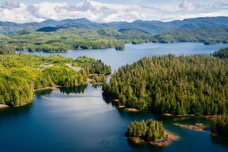 Озера и горы Аляски, США