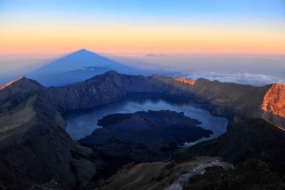 Гора Ринджани, Ломбок, Индонезия