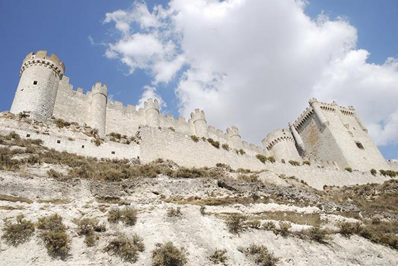 Castillos y Fortalezas de España Penafiel-castle-in-castilla-y-leon-spain