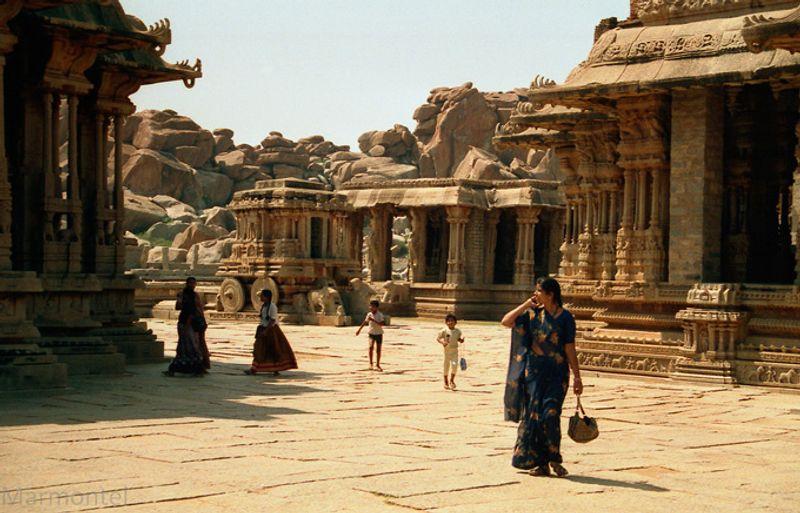 Древние храмы в Хампи, Индия