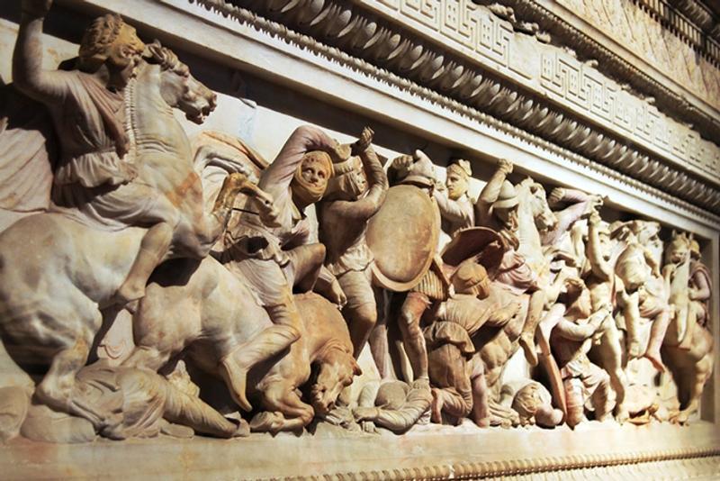 Достопримечательности Стамбула: Сидонский саркофаг в Археологическом музее Стамбула