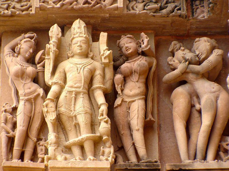 Эротика в храмах Кхаджурахо