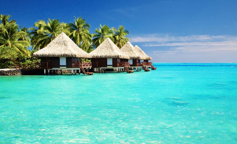 Resort di Bora-Bora. Cantik ya?