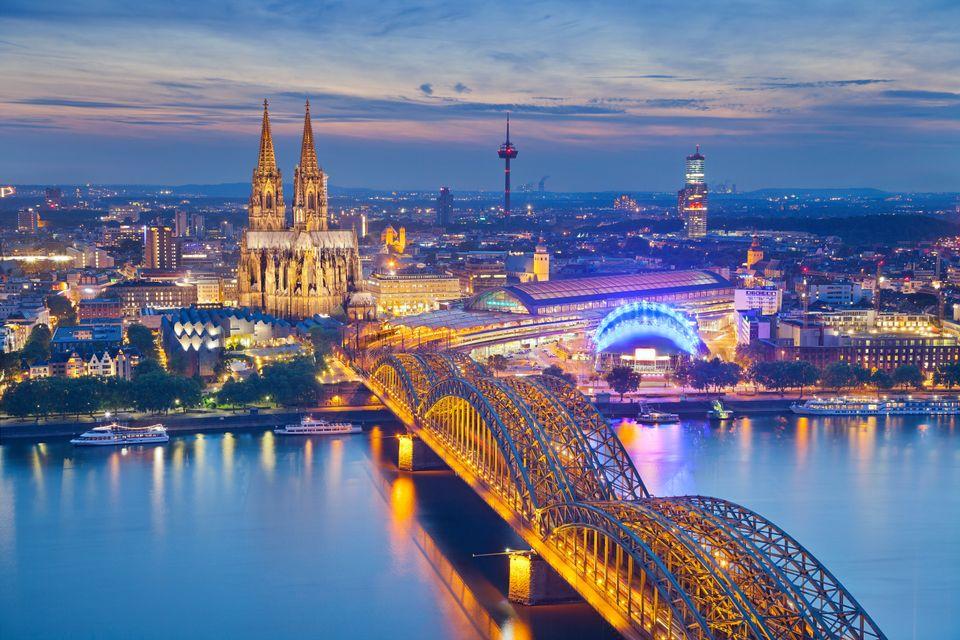 Günstige Flüge nach Köln