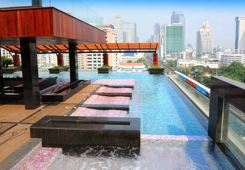 Mode Sathorn Hotel, a fantastic cheap hostel close to Bangkok's biggest attractions