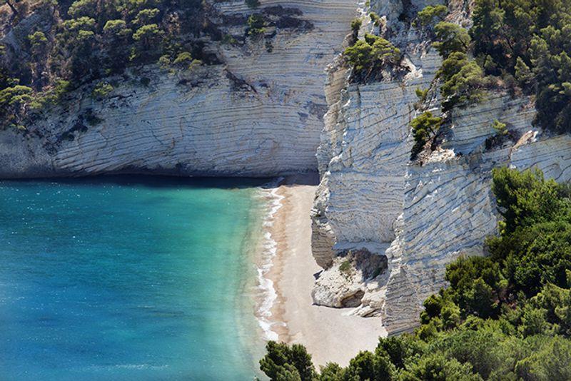 Пляжи Италии: Залив Дзагаре (Baia delle Zagare)