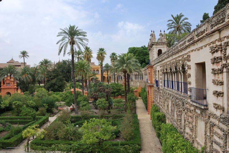 Las ciudades m s bonitas donde viajar en primavera - Jardines verticales sevilla ...