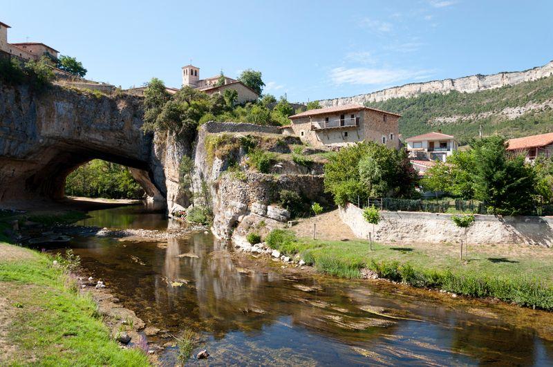 La estampa de Puentedey en Burgos, Castilla y León