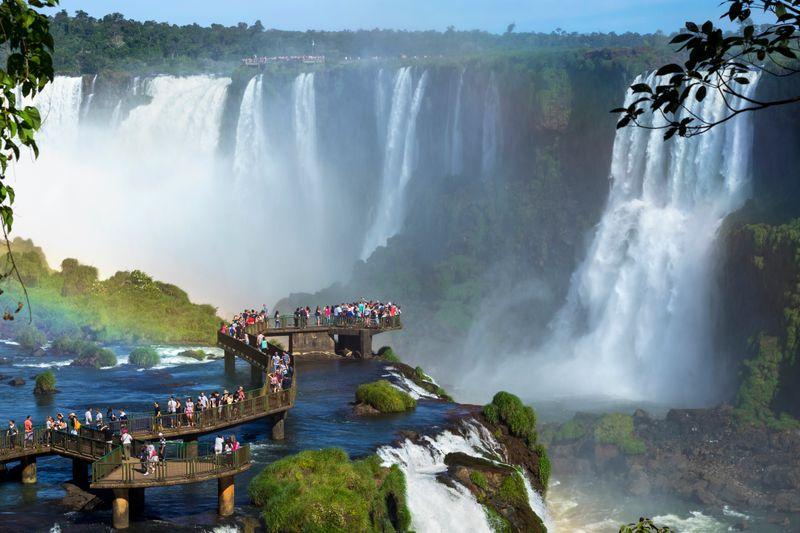 Encontre hotéis em Foz do Iguaçu, é só clicar na foto!