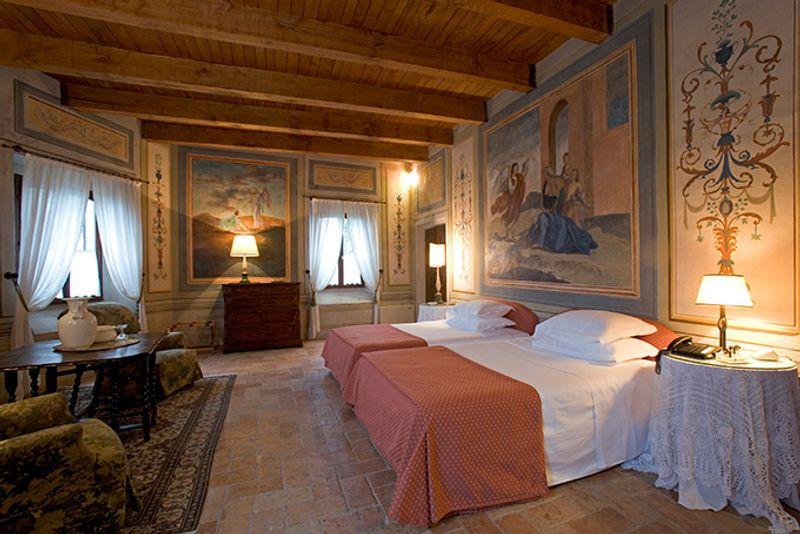 Palazzo Viviani Castello Montegridolfo