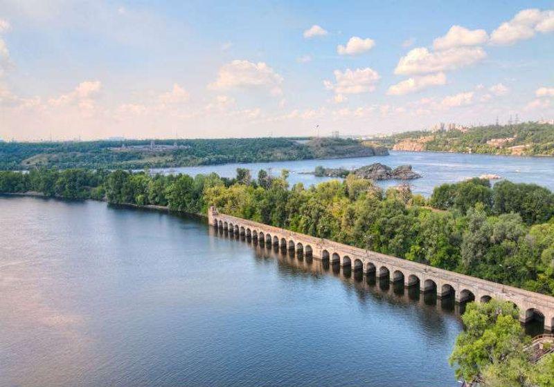 Dinpayer Nehri önemli noktalardan biri.