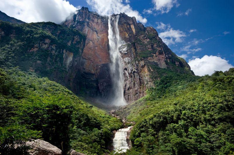 cascada salto del angel en venezuela
