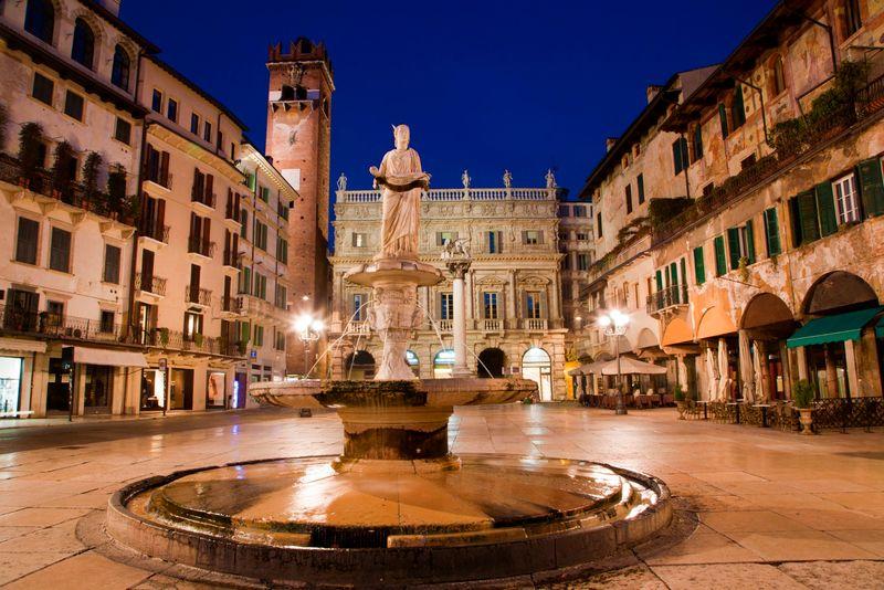 Verona, scorcio notturno