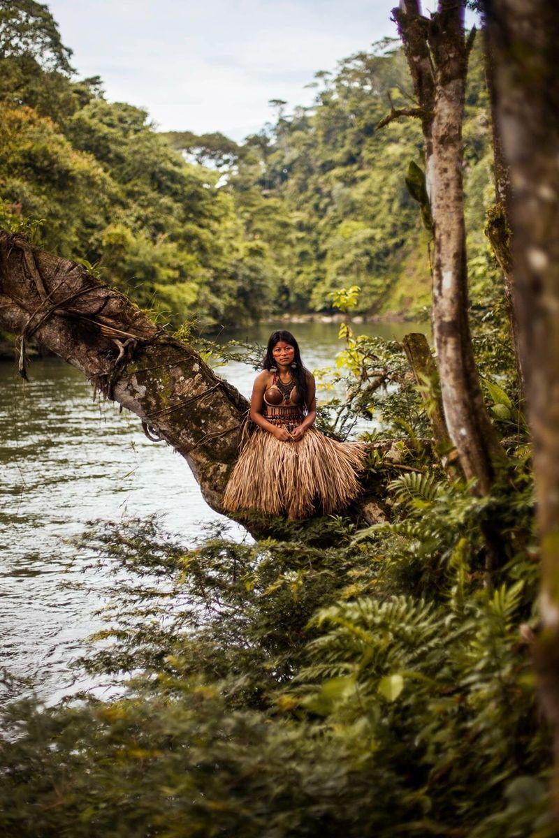 """Женщина, живущая в амазонских джунглях, из фотопроекта Михаэлы Норок """"Атлас красоты"""""""