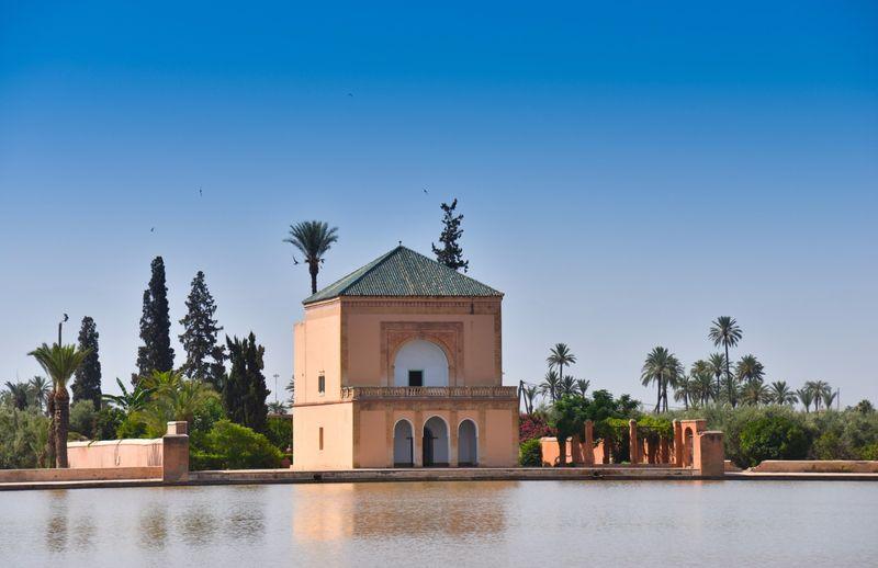 jardin de menara en marrakech