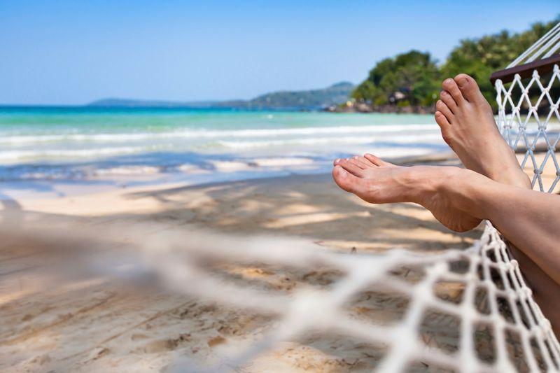 pies en hamaca y playa