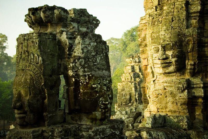 Статуи храма Байон, Камбоджа