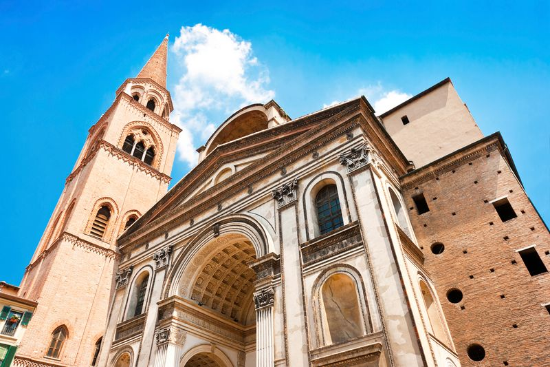 facciata Basilica di Sant'Andrea