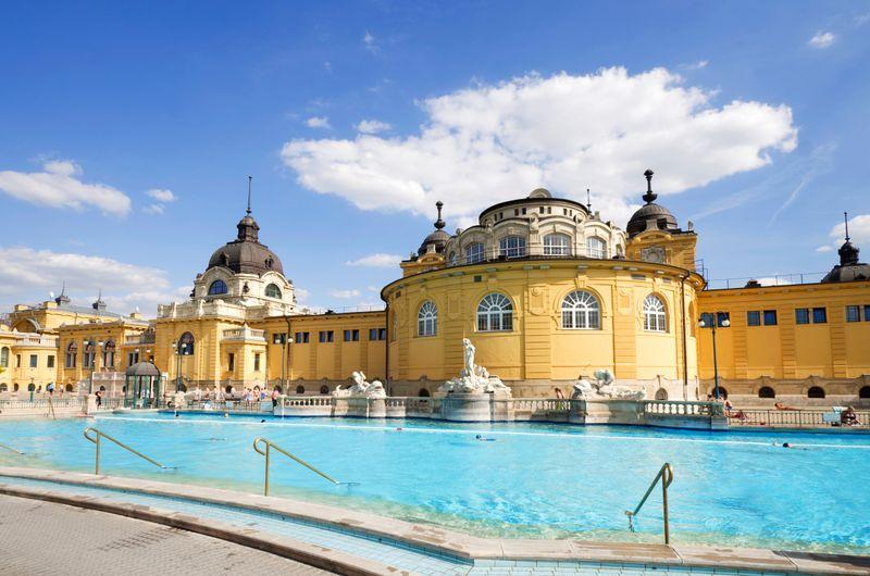 Купальни Сечени в Будапеште, Венгрия