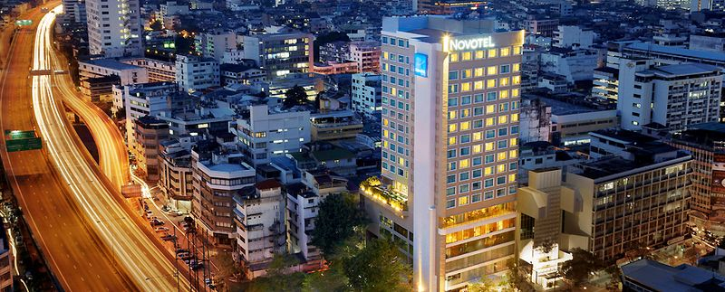 Visitors in need of business hotels in Bangkok will love the Novotel Bangkok Fenix Silom