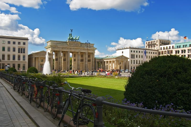 Volo hotel 20 weekend low cost per la primavera for Hotel berlino design