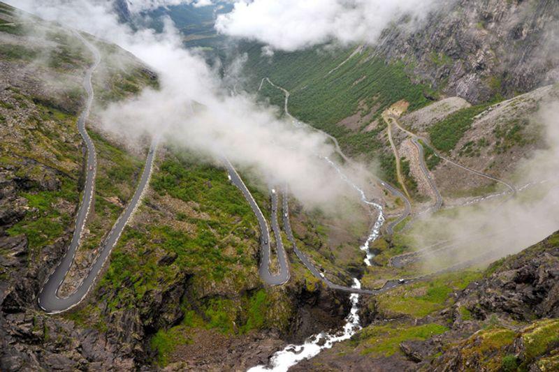"""Дорога """"Лестница троллей"""" в Норвегии"""