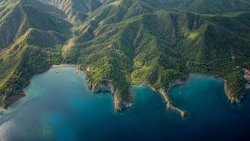 Вид сверху на гору Олимпос в Турции