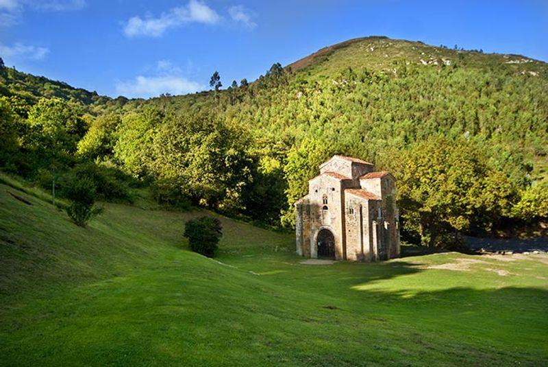 iglesias prerománicas en Oviedo Asturias