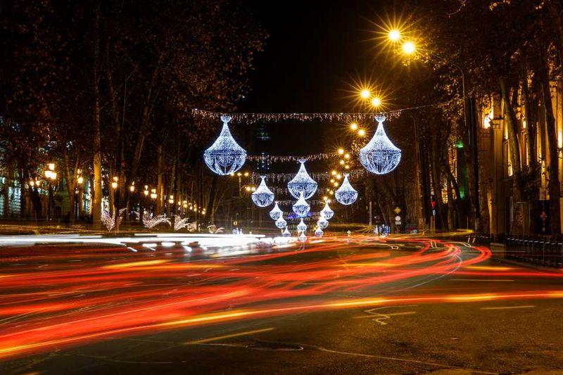 Ночные огни, проспект Руставели в Тбилиси, Грузия