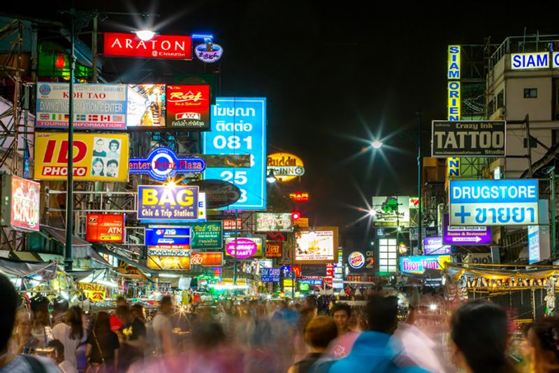 Улица Каосан в Бангкоке, Таиланд