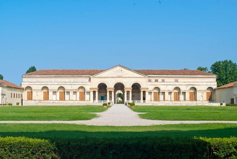 Vista principale di Palazzo Te