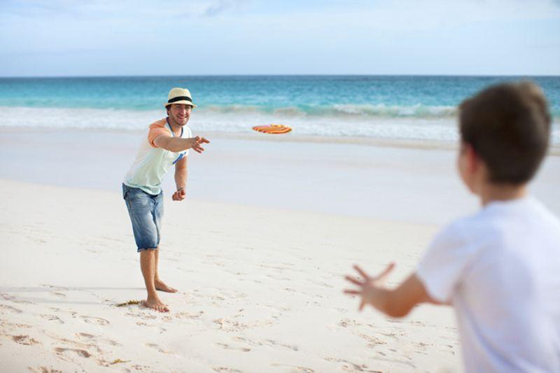 Фрисби на пляже