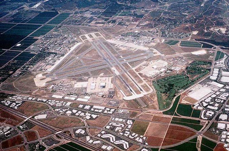 Заброшенный аэродром морской пехоты в Эль Торо, США