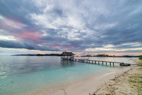 Tips Liburan Hemat ke Taman Nasional Kepulauan Togean, Sulawesi Tengah - Dermaga