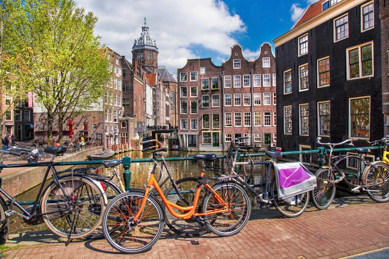 Daycation i voli di andata e ritorno in giornata pi for Ostelli economici ad amsterdam