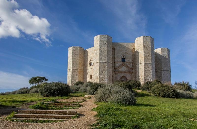 Posti da visitare in Italia: Castel del Monte