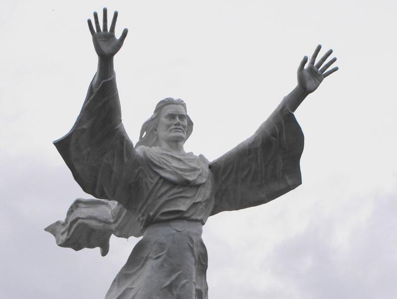 Patung Yesus Memberkati, Manado