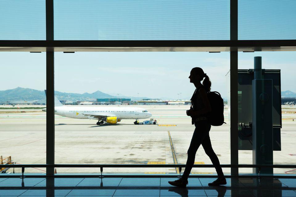 viajar en avion por primera vez,volar en avión por primera vez, consejos para viajar en avión por primera vez, avion primera vez, subir a un avion, viajar en avion con escalas, viajar barato en avion, boletos de avion baratos, hoteles baratos, ofertas en boletos de avion, boletos de avion baratos