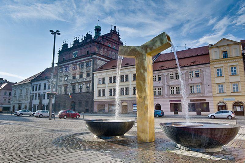 Вид на ратушу в Пльзене, Чехия