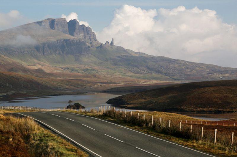 Дорога на острове Скай, Шотландия