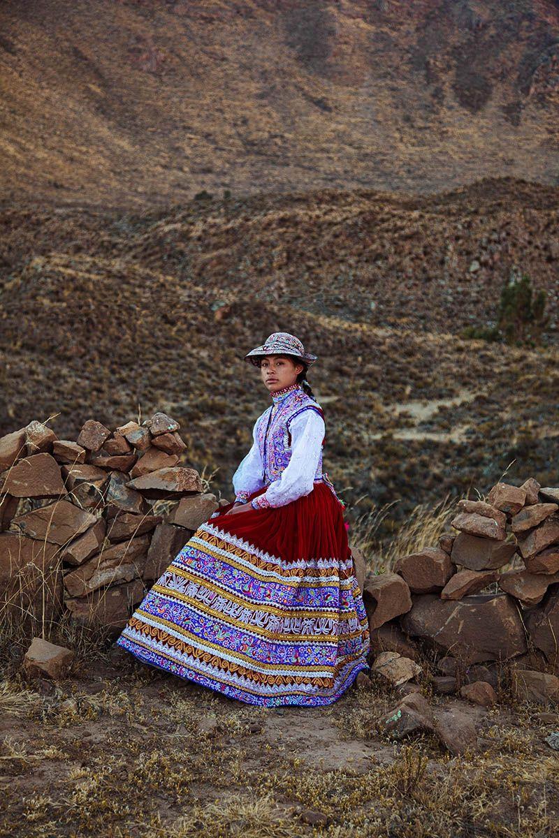 """Жительница Перу в национальном наряде из фотопроекта Михаэлы Норок """"Атлас красоты"""""""
