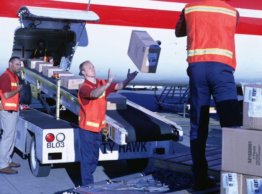 Багаж снимают с самолета, если пассажир опоздал на рейс