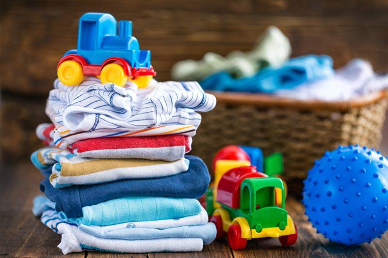 Детская одежда и игрушки