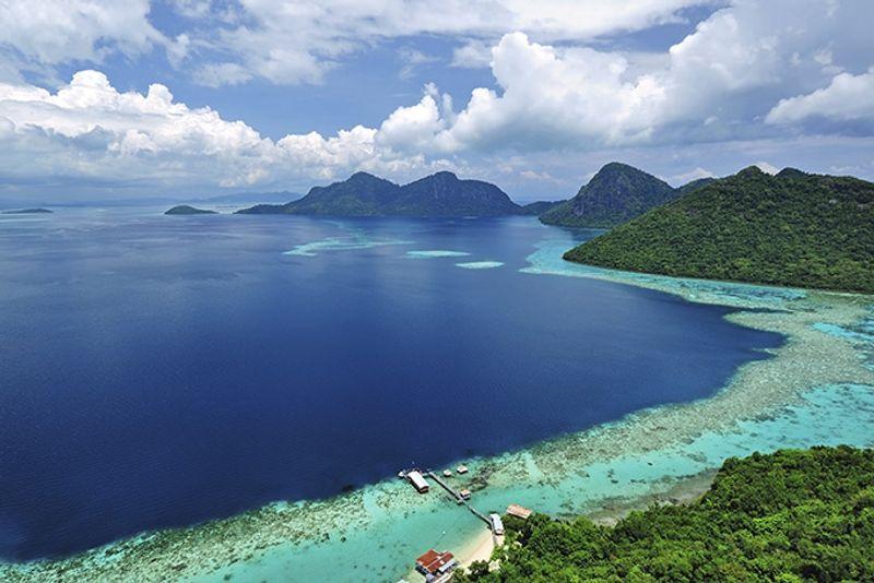 Побережье на острове Борнео, Индонезия