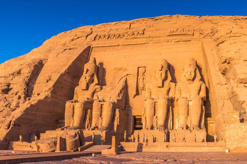 Египетские фараоны тоже страдают от жары летом