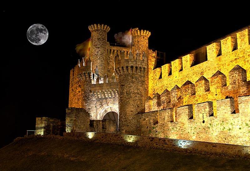 Castillos y Fortalezas de España Ponferrada-templar-castle-castilla-y-leon-spain-bierzo